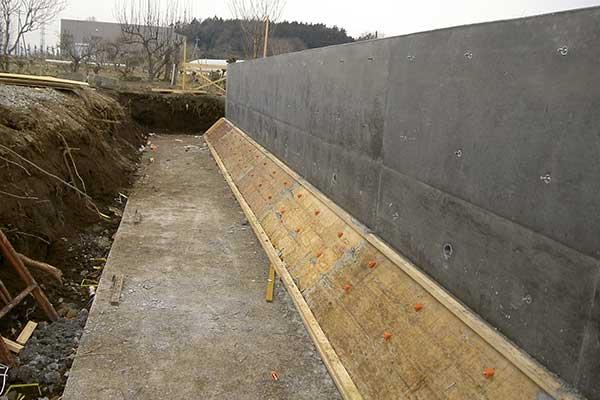 擁護壁施工